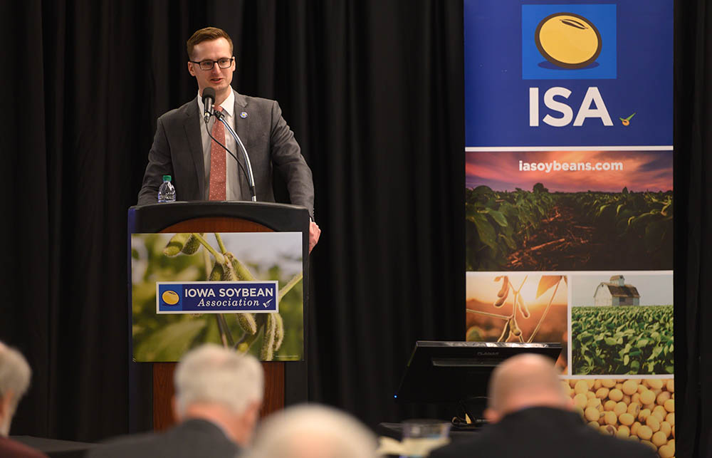 Michael Dolch speaks at a recent ISA Policy Conference.